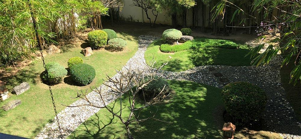 日本庭園を思わせる空間