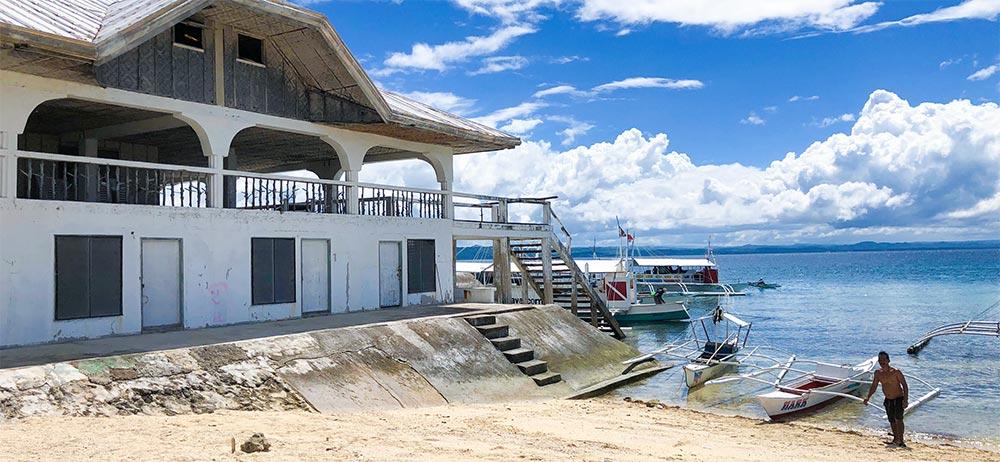 パンダノン島の船着き場付近。