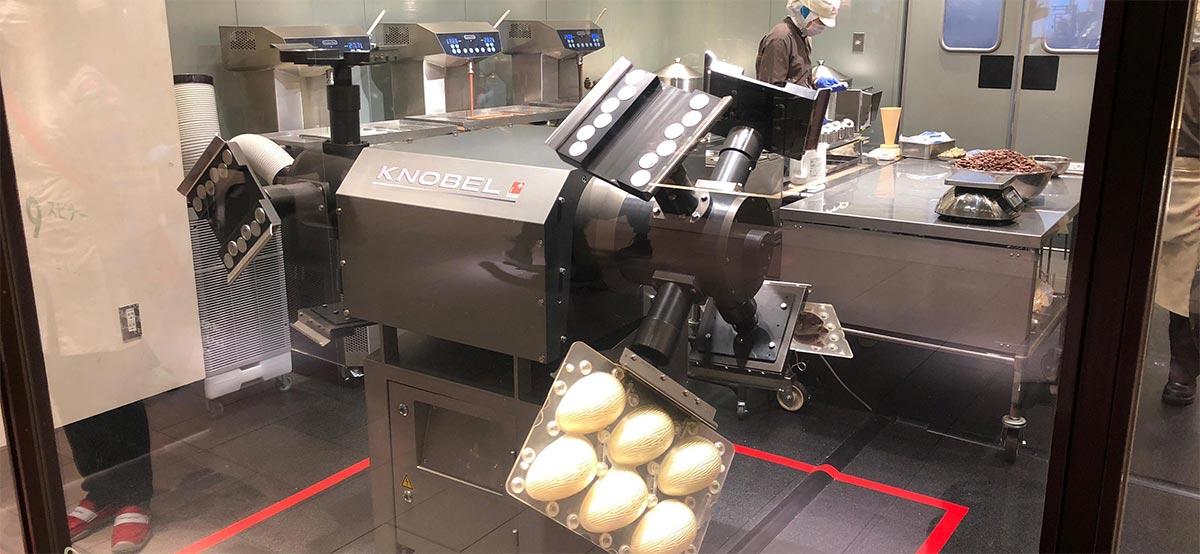 実際のチョコレート製造過程を見学01