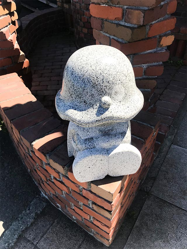石細工のカレーパンマン